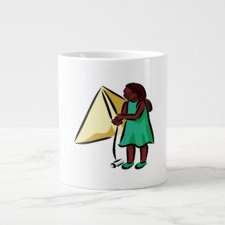 Chica Kiting Taza De Café Gigante