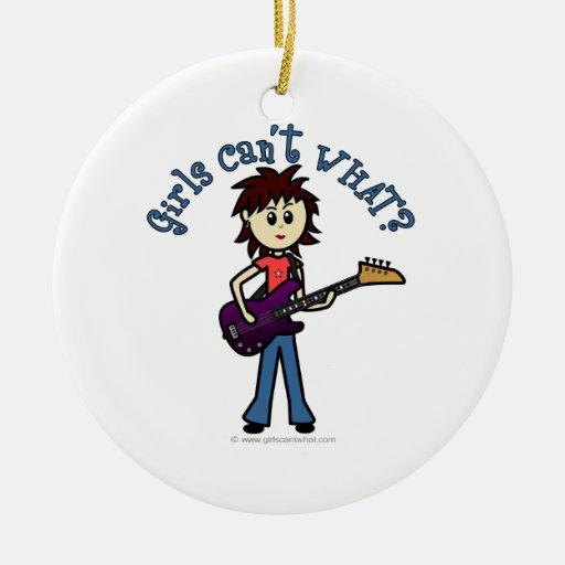 Chica ligero de la guitarra baja ornamento de reyes magos