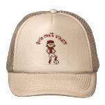 Chica ligero del fútbol en rojo gorros bordados
