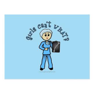 Chica ligero del tecnólogo de la radiografía tarjetas postales