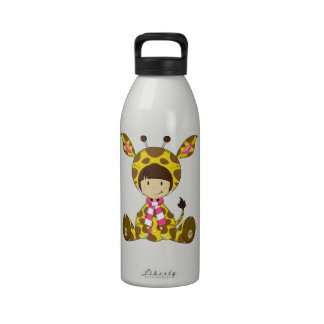 Chica lindo de la jirafa del dibujo animado botallas de agua