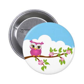 Chica lindo del búho en un botón de la rama pin redondo de 2 pulgadas