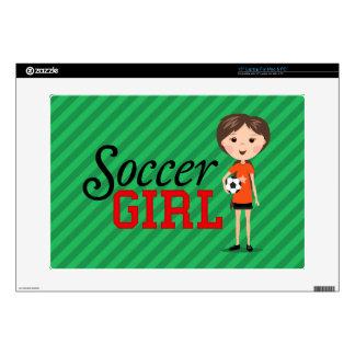 Chica lindo del fútbol del dibujo animado que sost 38,1cm portátil calcomanía