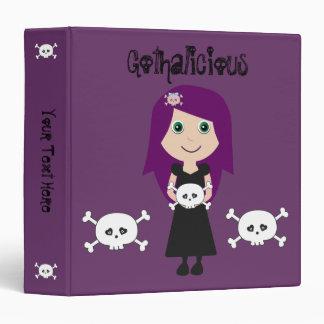 Chica lindo del gótico de Gothalicious con los crá