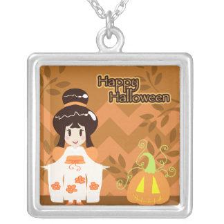 Chica lindo del kimono de Halloween Collares