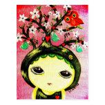 Chica lindo - ella crece un árbol tarjetas postales