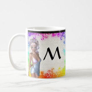 Chica marchosa colorida taza de café