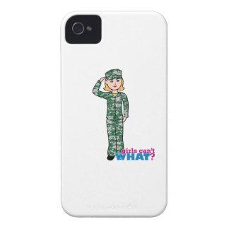 Chica militar rubio en Camo iPhone 4 Funda