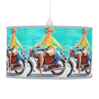 Chica modelo de Gil Elvgren del jinete de la motoc