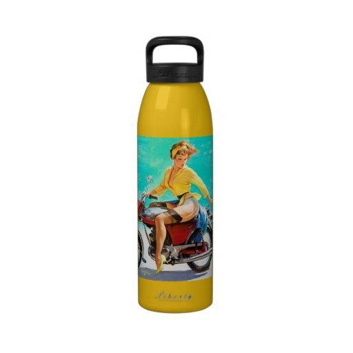 Chica modelo de Gil Elvgren del jinete de la motoc Botella De Agua Reutilizable
