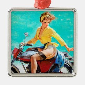 Chica modelo de Gil Elvgren del jinete de la motoc Ornamentos De Reyes Magos