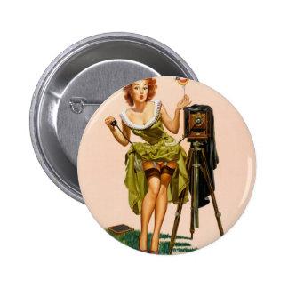Chica modelo de la cámara del vintage pin redondo 5 cm