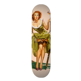 Chica modelo de la cámara del vintage skate board