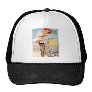 Chica modelo del accidente del equipaje gorras de camionero