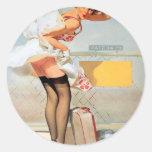 Chica modelo del accidente del equipaje pegatina redonda