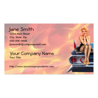 Chica modelo del coche de carreras con las llamas tarjetas de visita