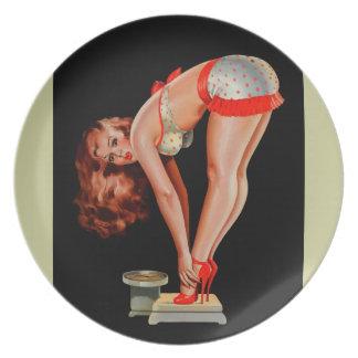Chica modelo retro de Peter Driben del vintage en  Platos De Comidas