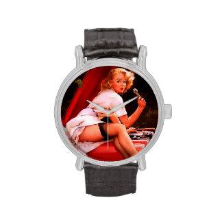 Chica modelo retro del mecánico de coche de Gil El Relojes De Pulsera