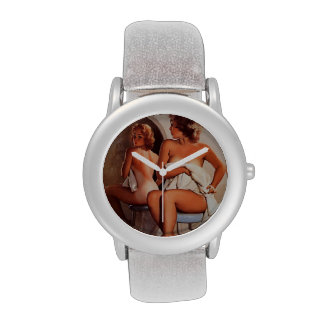 Chica modelo retro del moreno de Gil Elvgren Sun d Reloj De Mano