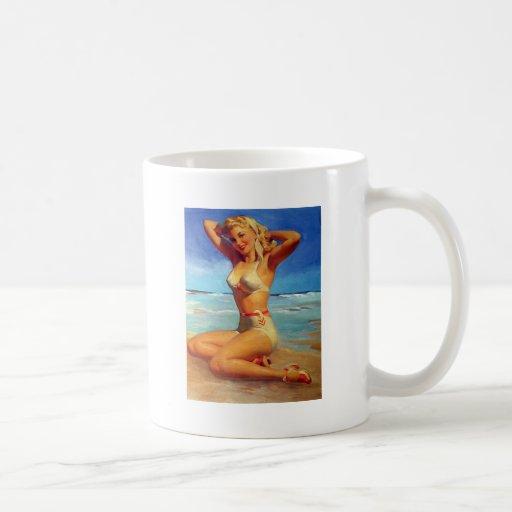 Chica modelo rubio taza de café