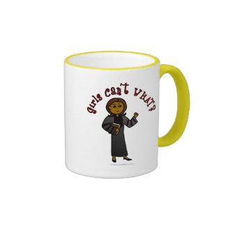 Chica oscuro del pastor tazas de café