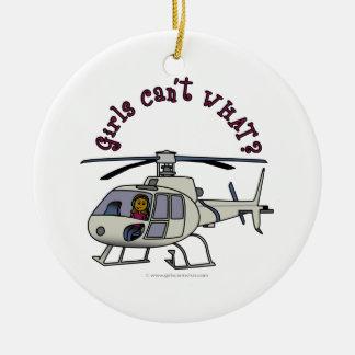 Chica oscuro del piloto del helicóptero adorno de navidad