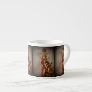 Chica patriótico cubierto en bandera taza espresso