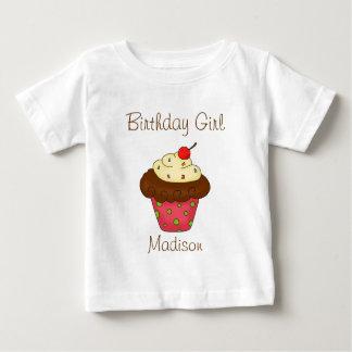 Chica personalizado del cumpleaños de la magdalena playeras