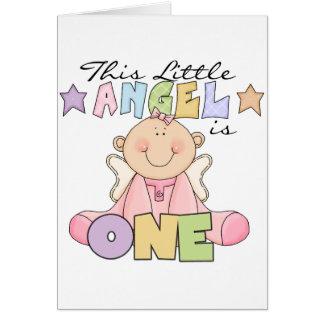 Chica pocas 1ras camisetas y regalos del cumpleaño tarjeta de felicitación