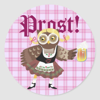 ¡Chica Prost de Oktoberfest del búho! Pegatina Redonda