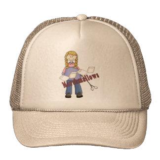 Chica que acampa que va gorras de camionero