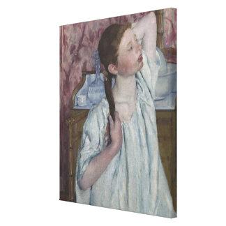 Chica que arregla su pelo, 1886 (aceite en lona) impresión en lona estirada