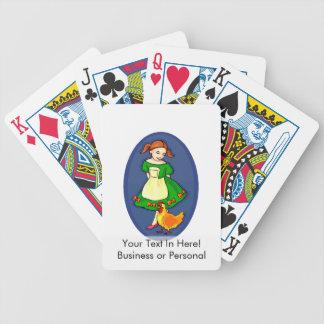 chica que coloca óvalo azul del pollo verde del ve baraja cartas de poker