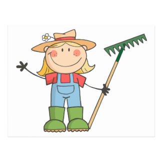 Chica que cultiva un huerto que agita un saludo tarjeta postal