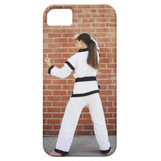Chica que hace artes marciales funda para iPhone SE/5/5s