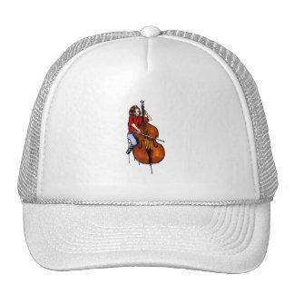 Chica que juega la camisa roja baja de la orquesta gorra