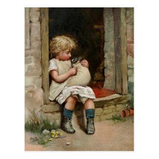 Chica que lleva a cabo el vintage lindo del perrit tarjetas postales