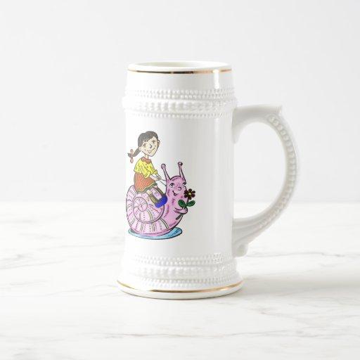 Chica que monta un caracol 2 taza de café