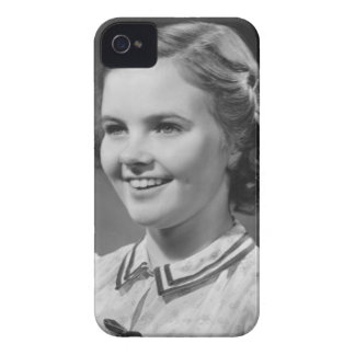 Chica que presenta en estudio Case-Mate iPhone 4 carcasas