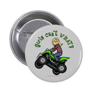 Chica que rueda cuatro de la luz ATV el | Pins