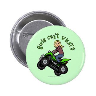 Chica que rueda cuatro de la luz ATV el | Pin