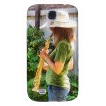 Chica que toca el saxofón