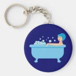 Chica retro del baño de burbujas llavero