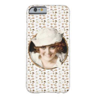 Chica retro del marinero de los años 20 funda barely there iPhone 6
