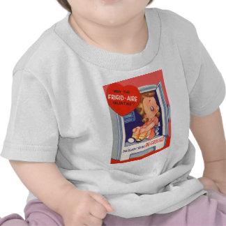 Chica retro del vintage en tarjeta de la tarjeta d camisetas