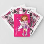 Chica rosado brillante nombrado sistema de naipe cartas de juego