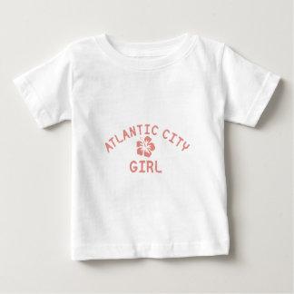 Chica rosado de Atlantic City Playeras