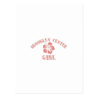 Chica rosado de centro de Brooklyn Tarjetas Postales