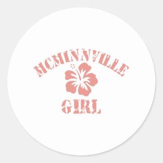 Chica rosado de Mcminnville Pegatina Redonda
