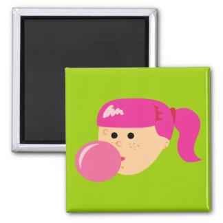 Chica rosado del chicle imanes